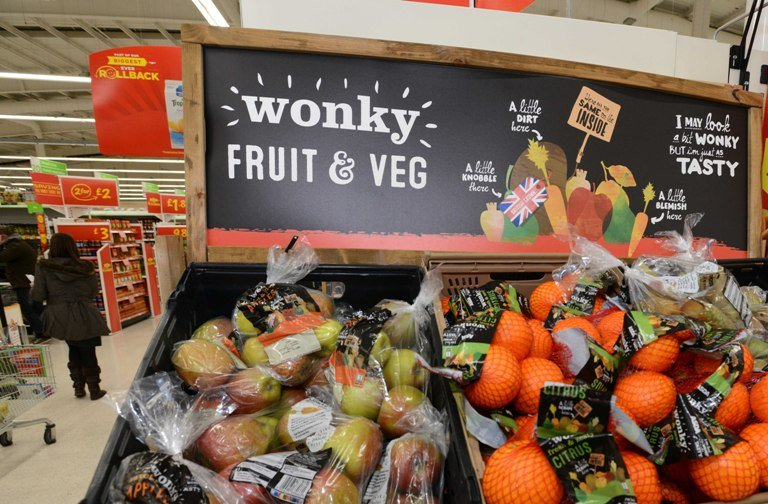 LOVE-HATE-I'M-BACKING-BRITAIN-WONKY-VEG-WMH-WEB