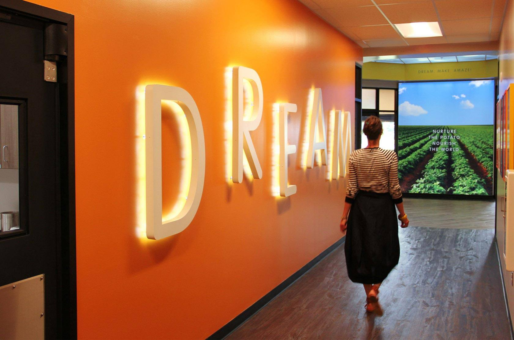 WMH-LAMBWESTON-INNOVATION-CENTRE-DREAM-WALL-1680WEB