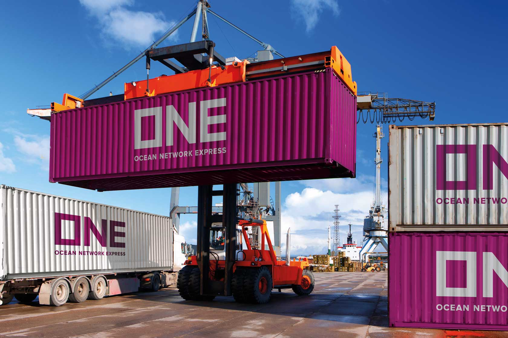 2017_ONE_CONTAINER_LIFTED_V3 image